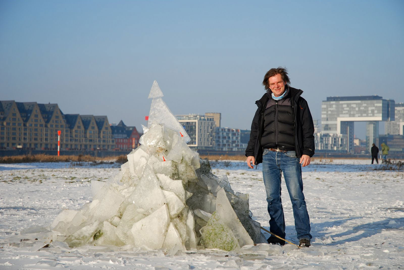 Ice Sculpture 2010,Cologne   A Cathedral named Daisy   © Thomas Steffens